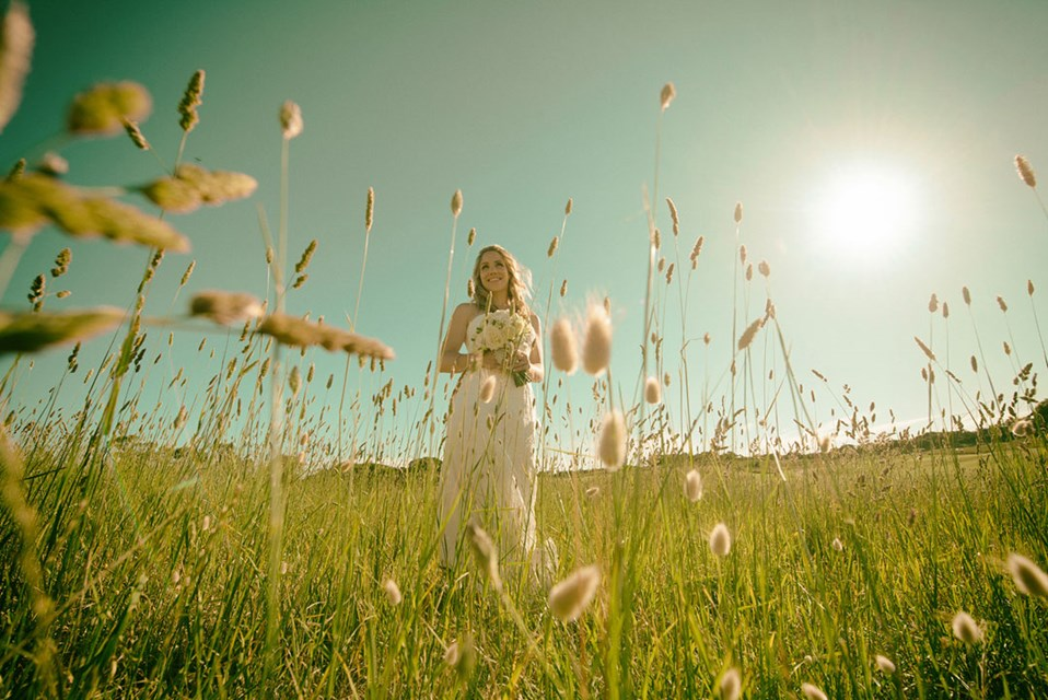 mornington-peninsula-photographers-james-harvie-photography-toast-weddings-h-wfwjelyypnqs