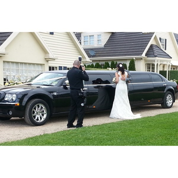 mornington-peninsula-wedding-transport-lr-limo-3-w600h600-wfsjhvbpwvvl