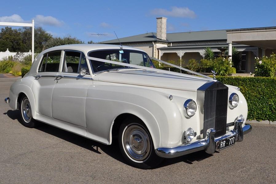 mornington-peninsula-wedding-transport-silverwings-web-wfqimngegjyg